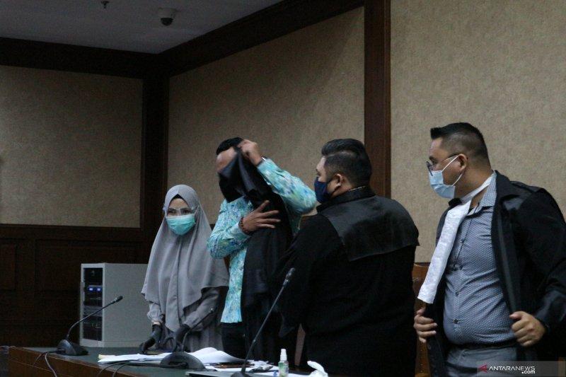"""Pesan jaksa Pinangki ke anaknya: """"Mommy in jail, please pray for me"""""""