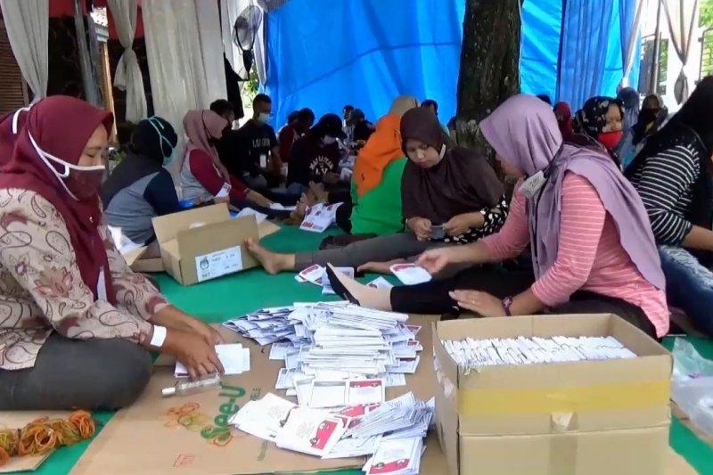 KPU Ngawi temukan 112 surat suara rusak