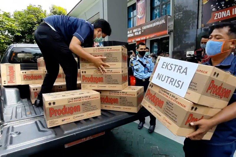 Kapolda Riau serahkan 22.680 bantuan obat untuk penanganan COVID-19 di lapas