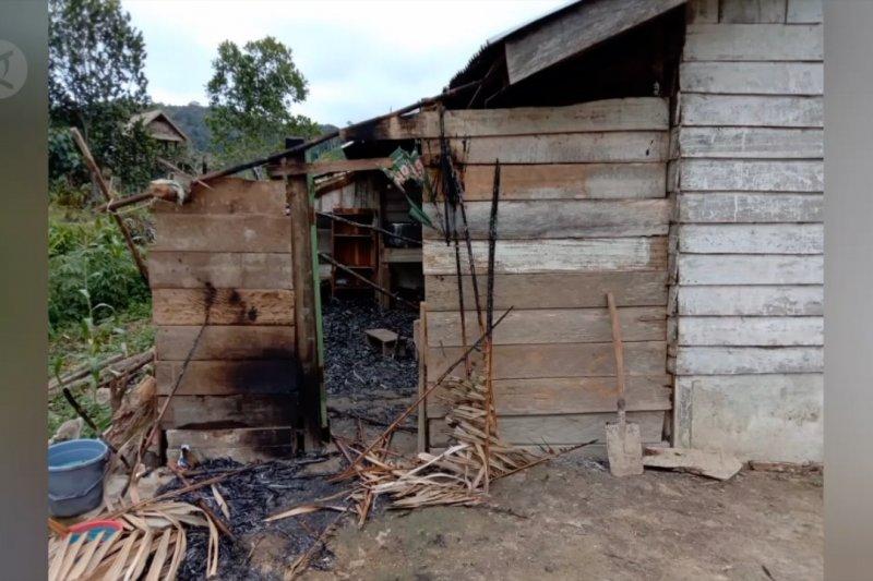Kelompok MIT kembali berulah, 4 warga Sigi jadi korban, 7 rumah terbakar