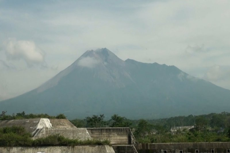 BPPTKG : volume kubah lava Merapilebih besar dan deformasi 10 cm per hari