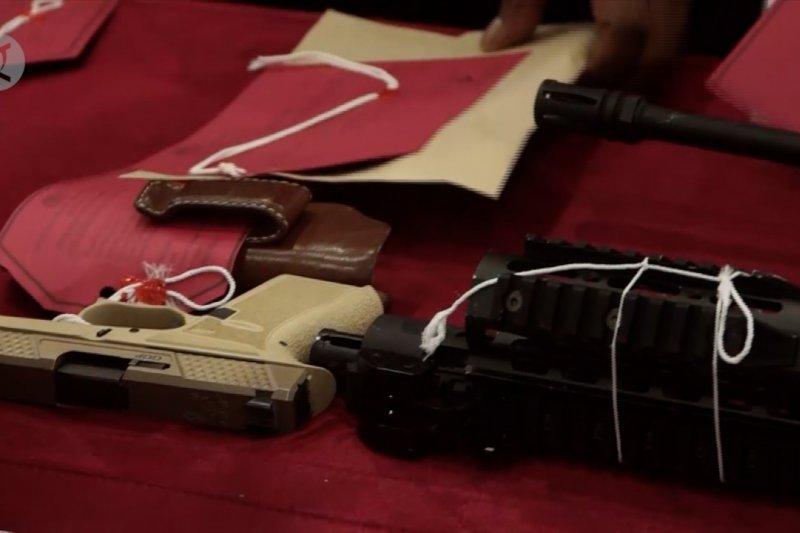 Polda Papua tetapkan tiga tersangka jual beli senjata api