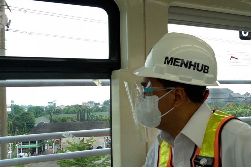 Menhub Budi Karya uji coba persinyalan LRT Jabodebek