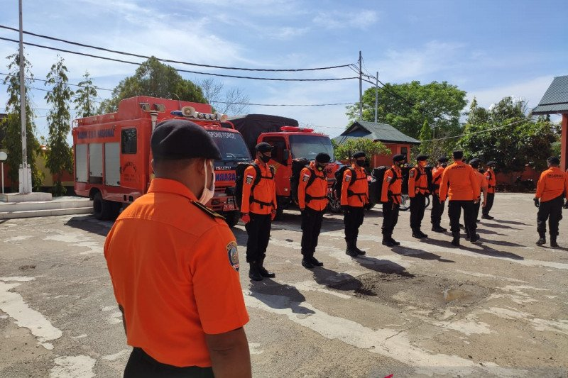 SAR Kupang kirim bantuan personel dan peralatan ke Ili Lewotolok