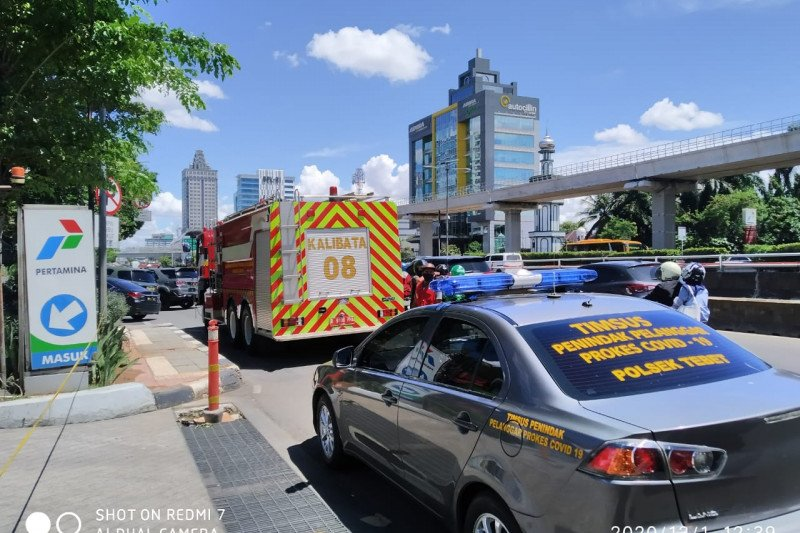 Aliran listrik picu kebakaran truk tangki di SPBU MT Haryono