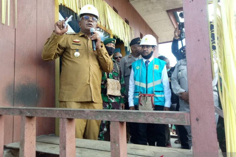 Semua kampung pedalaman di Mimika-Papua akan terlistriki 2022