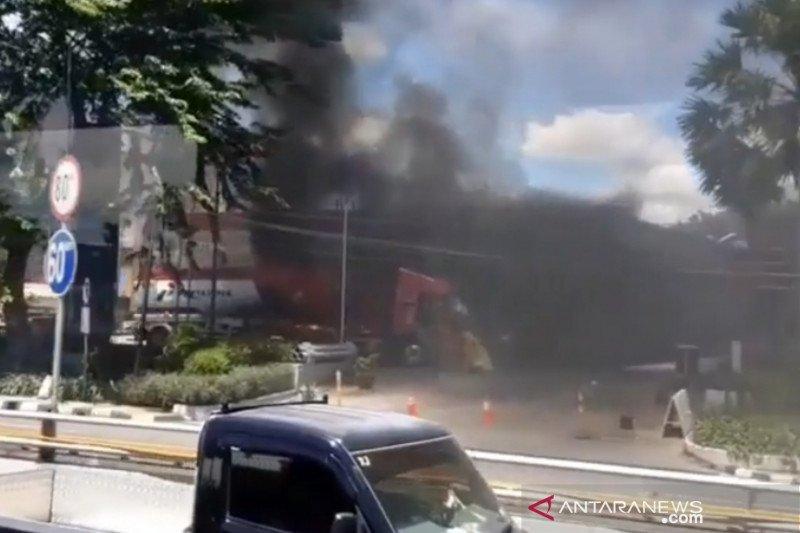 Dentuman di SPBU MT Haryono akibat truk tangki terbakar