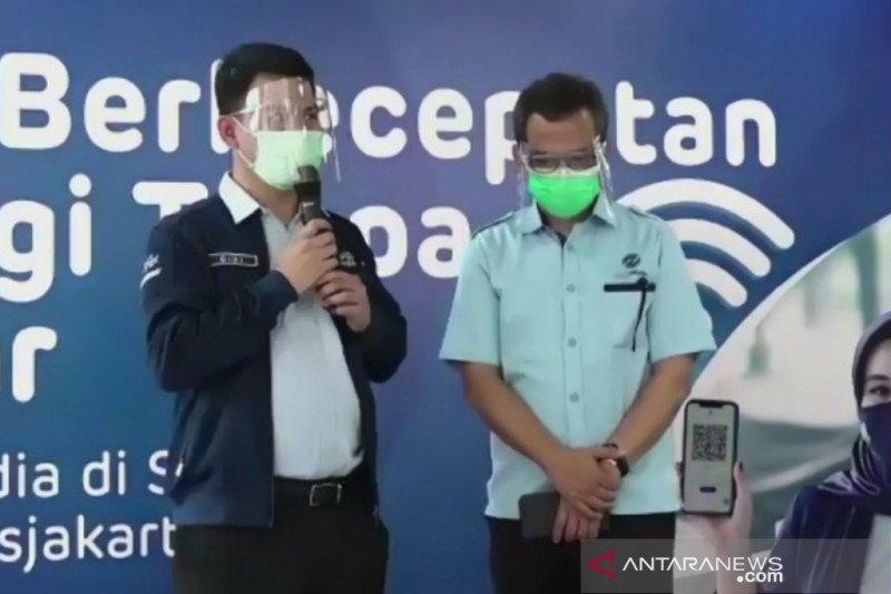 TransJakarta resmikan wifi gratis berkecepatan tinggi di 252 halte BRT