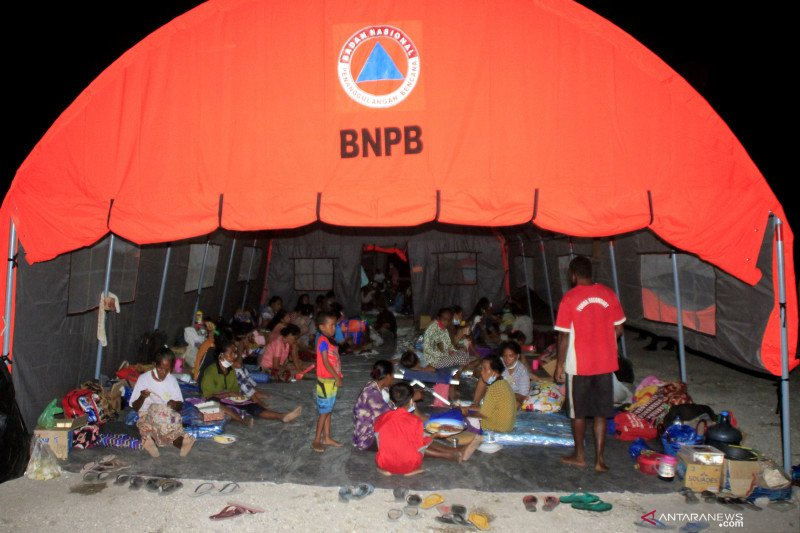 Bertolak ke NTT, Kepala BNPB tinjau penanganan erupsi Ili Lewotolok