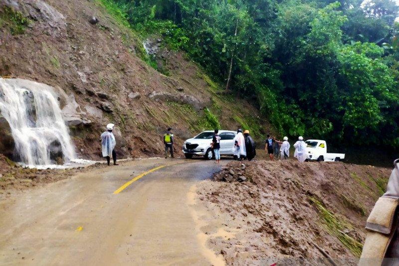 BPBD Cianjur berkoordinasi tangani tebing rawan longsor