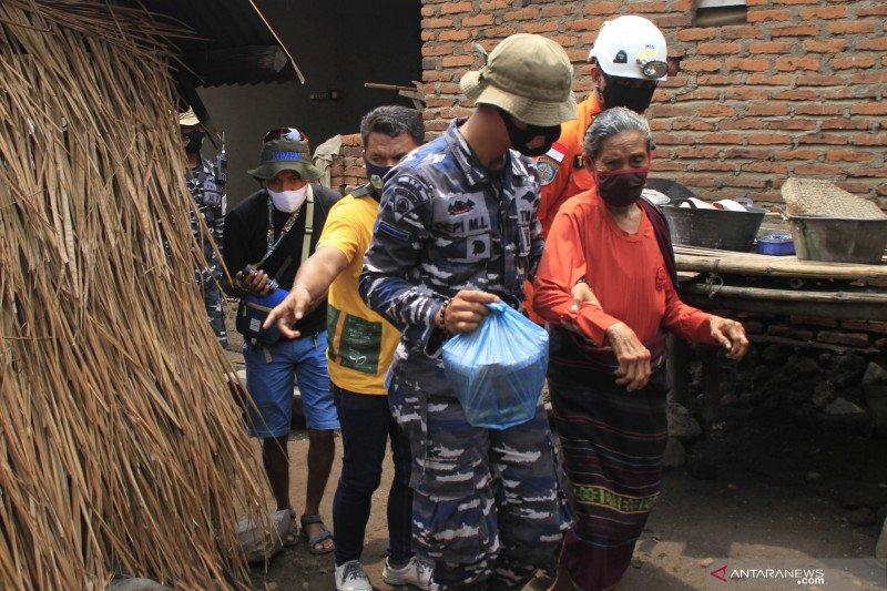 Warga yang bertahan di zona merah Gunung Ili Lewokotok dievakuasi lagi