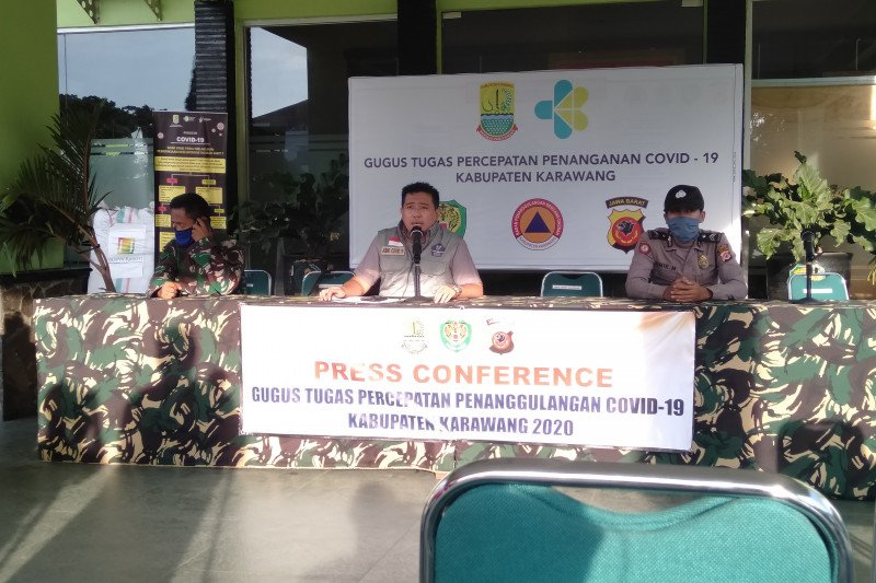 Lima warga Karawang jalani isolasi mandiri karena rumah sakit penuh