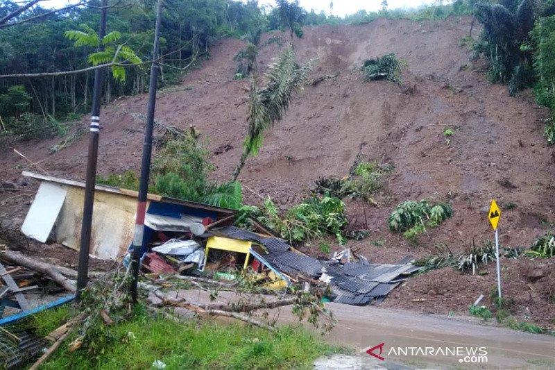 BPBD Garut evakuasi tujuh keluarga terdampak longsor di Talegong