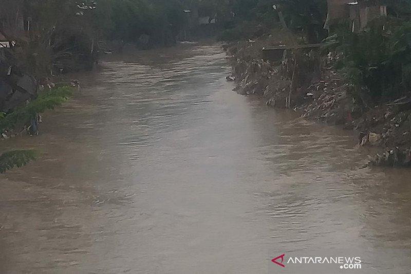 Sungai Deli Medan kembali meluap