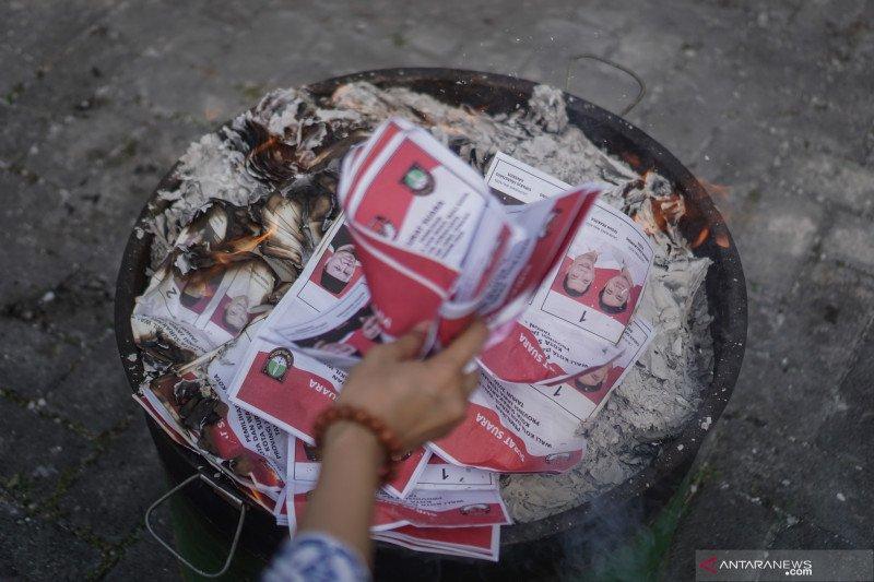 Pemusnahan surat suara rusak Pilkada Solo