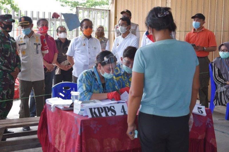 Gubernur Sulteng tinjau pencoblosan di sejumlah TPS wilayah Pasigala