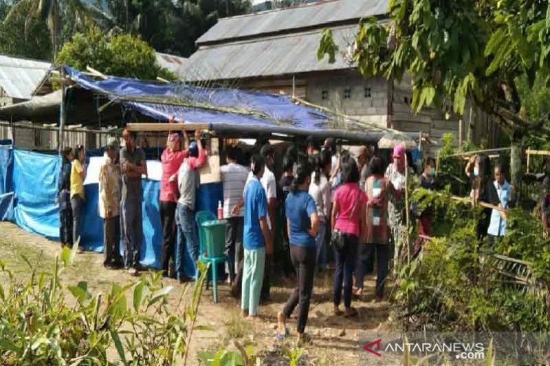 Warga transmigrasi Desa Lembantongoa Sigi antusias mencoblos
