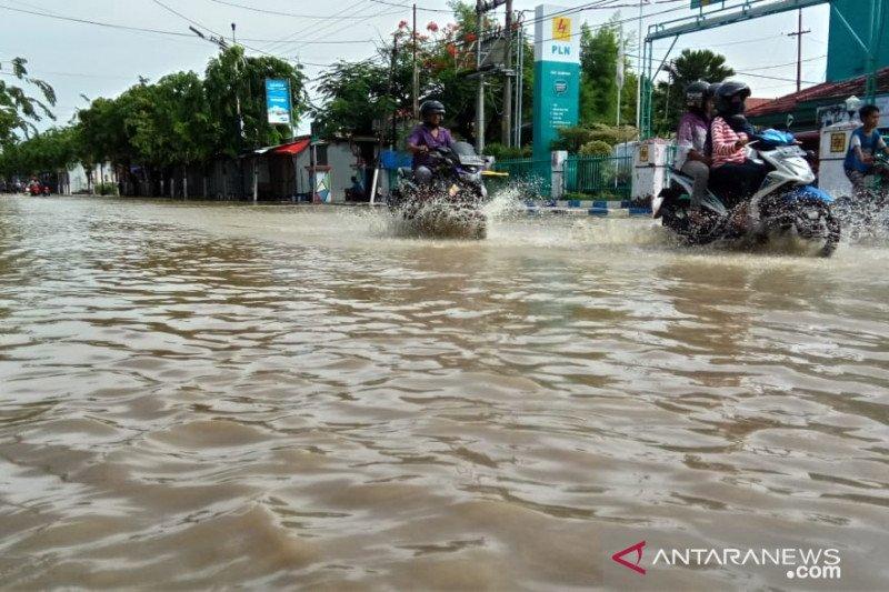 Banjir melanda enam kelurahan dan lima desa di Sampang