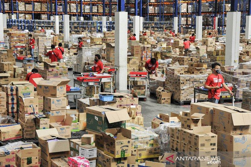 Kesibukan jelang harbolnas 12.12 di warehouse JD.ID