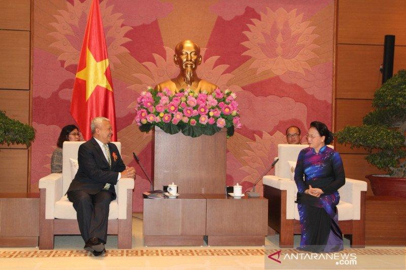 Dubes RI pamit pada Ketua Parlemen Vietnam, dijanjikan bantuan masker