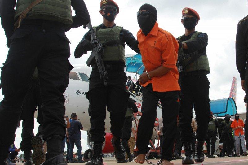 Sepekan, 23 teroris JI ditangkap hingga artis terlibat prostitusi