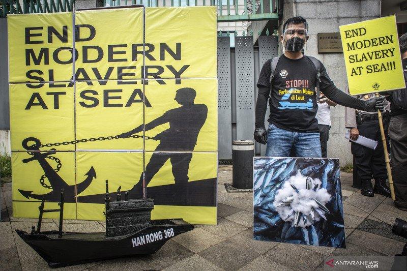 Unjuk rasa tolak perbudakan modern ABK asal Indonesia