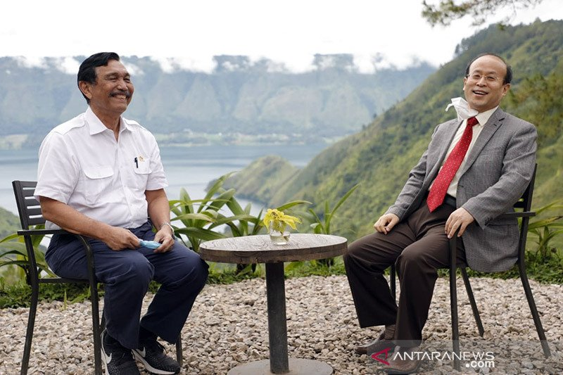 Luhut ungkap alasan perketat aturan masuk Bali