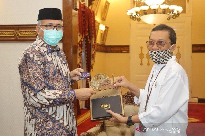 BNI Syariah luncurkan Hasanah Card berlambang Masjid Baiturrahman Aceh