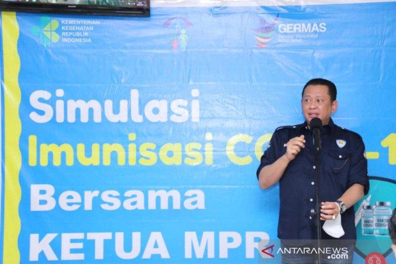 Ketua MPR tinjau simulasi vaksinasi COVID-19 di Makassar