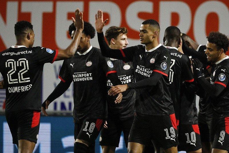 Dua gol Mario Gotze bantu PSV Eindhoven lumat Vitesse