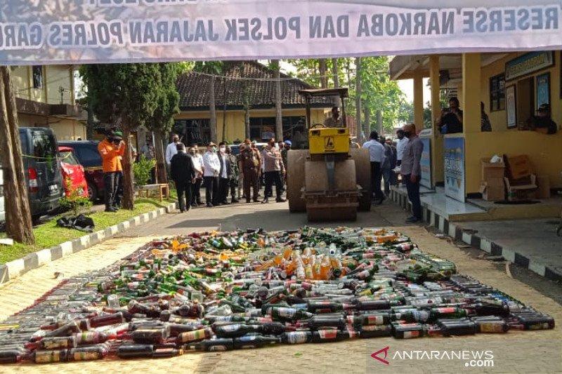 Polisi tingkatkan razia miras jelang Tahun Baru di Garut