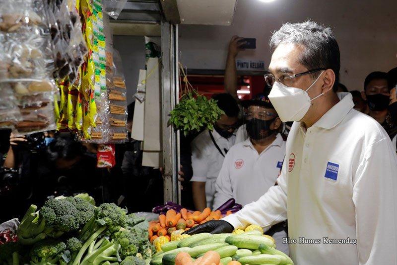 Terapkan kebersihan, Mendag beri sertifikat SNI tiga pasar rakyat
