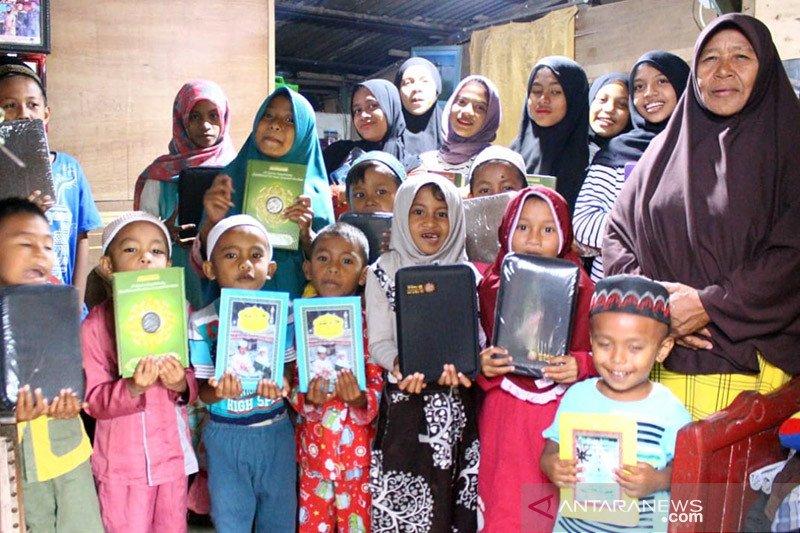 Santri di Ambon dapat bantuan Al Quran dari ACT Maluku