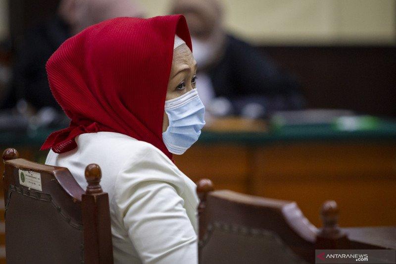 Anita Kolopaking divonis 2,5 tahun penjara dalam kasus surat palsu