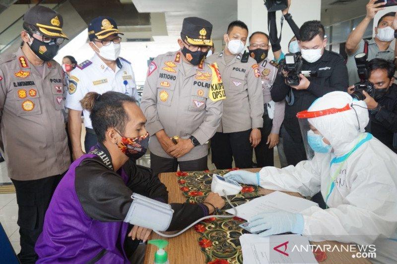 Pengemudi bus tujuan Sumatra di Terminal Pulogebang positif narkoba