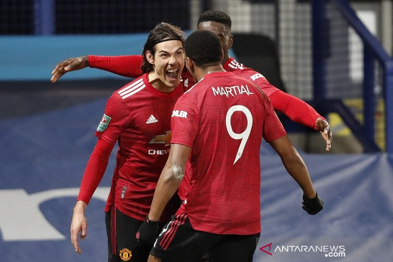 Dua gol pengujung laga antar MU ke semifinal Piala Liga