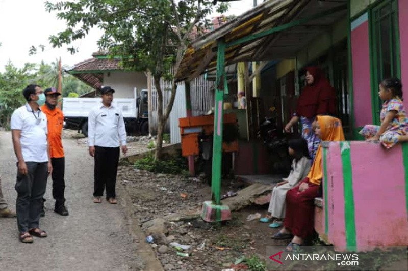 Pemkab Garut tunggu PVMBG untuk relokasi korban pergerakan tanah