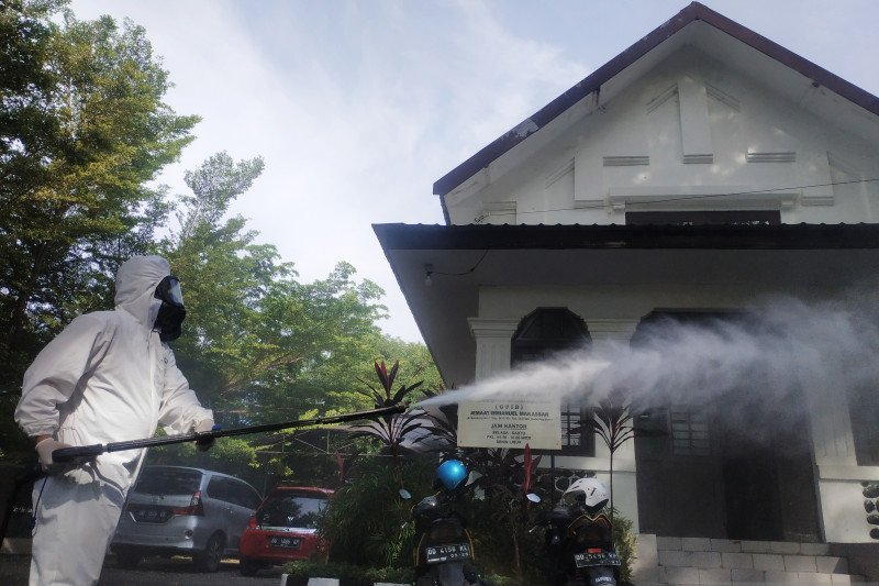 Polisi sterilisasi 17 gereja di Makassar jelang Misa Natal