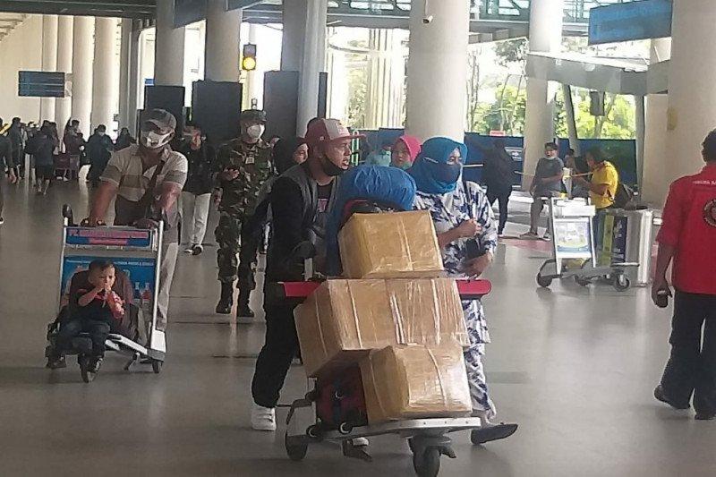 Penumpang mudik di Bandara Kualanamu Deli Serdang masih terus ramai