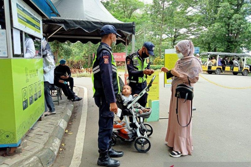 Wajib perlihatkan hasil tes, pengunjung Kebun Raya Bogor menurun