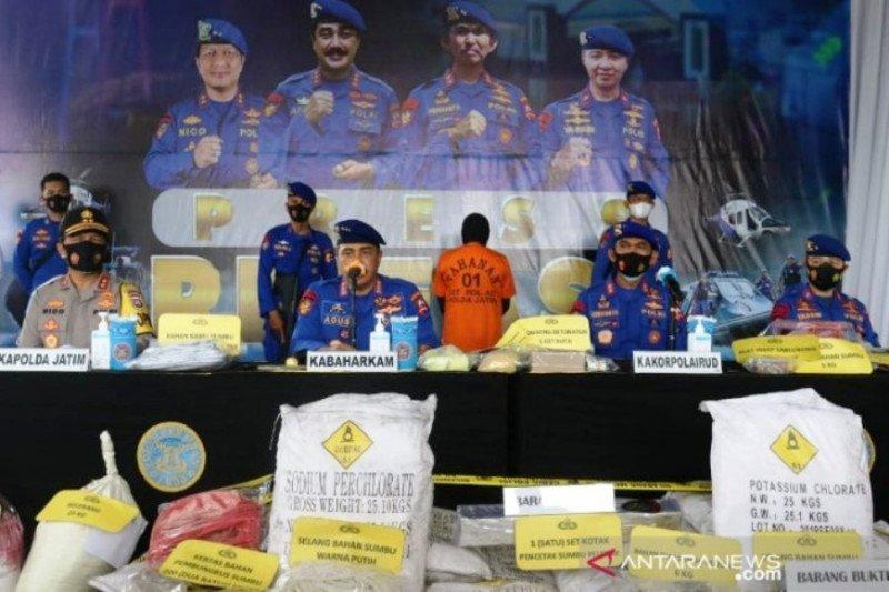 Polisi bongkar tempat penyimpanan 2,4 ton bom ikan di Bangkalan