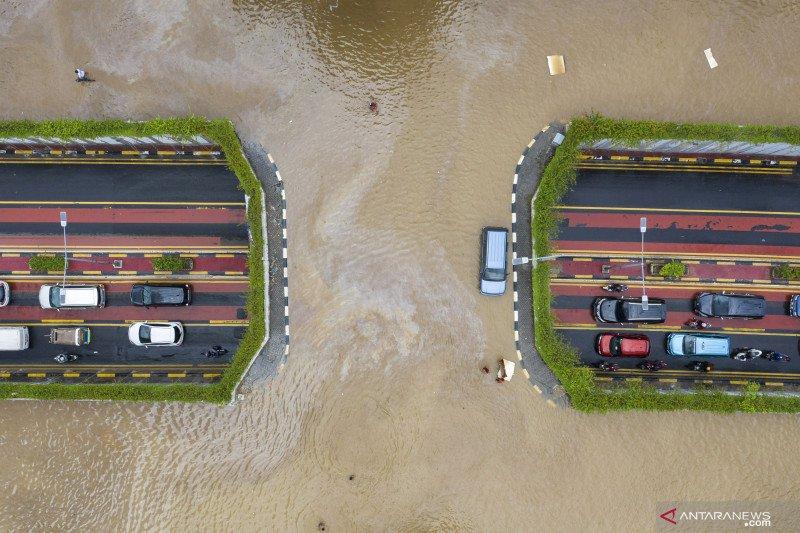 Banjir dan kenangan