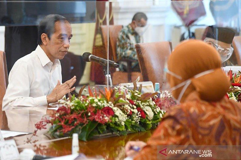 Presiden Jokowi ubah bentuk bansos sembako menjadi bantuan tunai