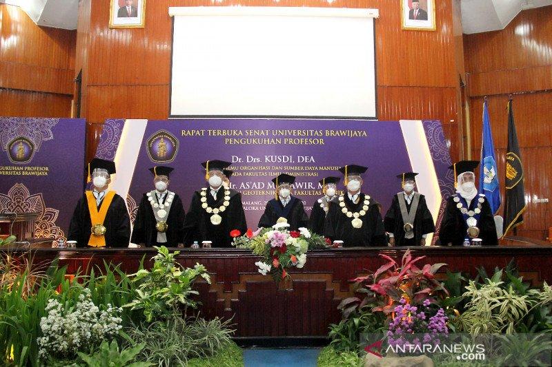 Universitas Brawijaya kukuhkan dua profesor di penghujung tahun 2020