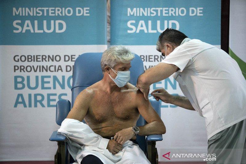Argentina tekan AstraZeneca penuhi pasokan vaksin COVID-19