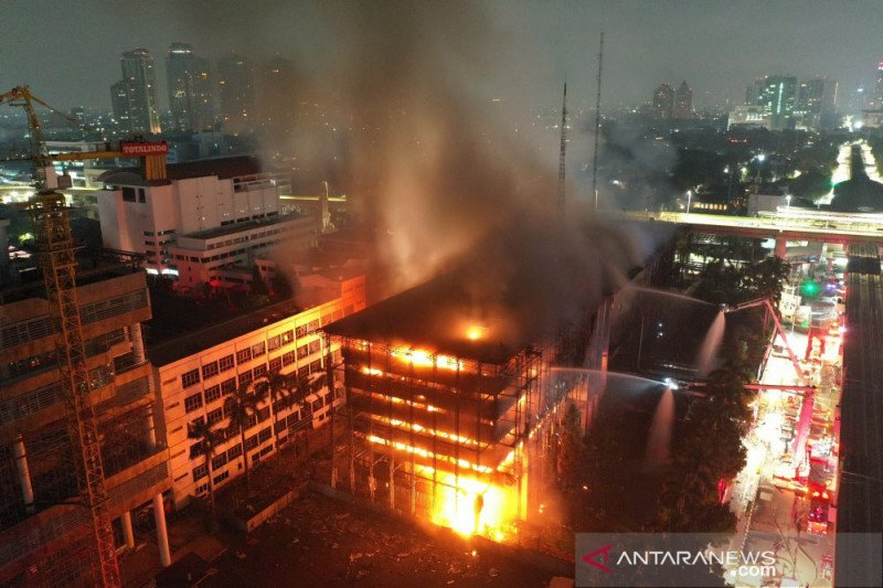 Dua kebakaran terjadi di Jakarta pada malam dan dini hari