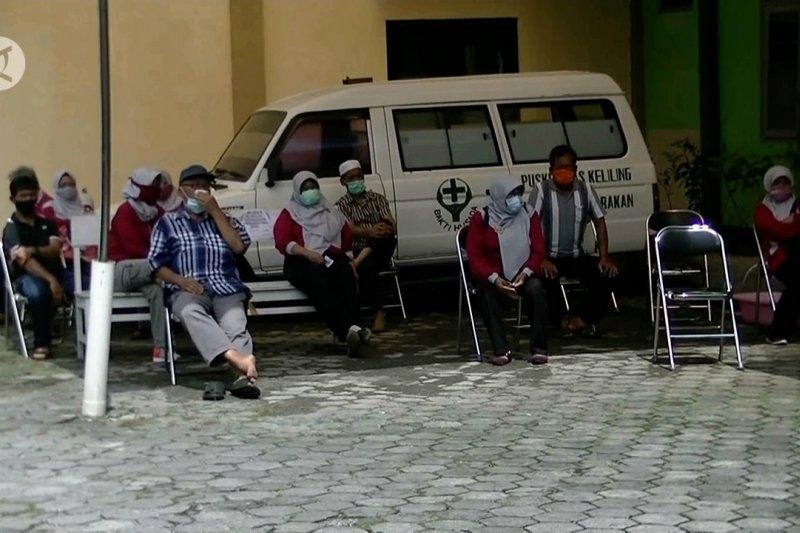 43 guru di Temanggung jalani tes usap COVID-19
