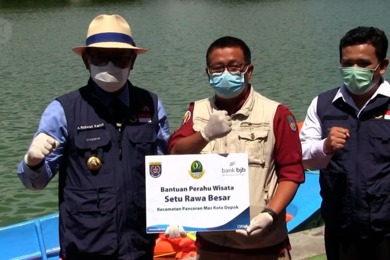 Ridwan Kamil lengkapi Situ Rawa Besar Depok dengan perahu