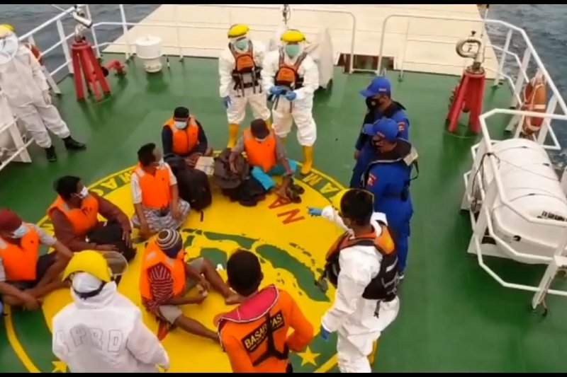 Basarnas Pangkalpinang evakuasi 7 ABK yang tenggelam di Pangkalan Bun