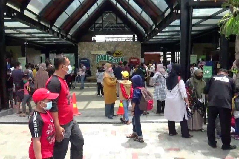 Pemkot Bandung wajibkan tes cepat antigen untuk wisatawan